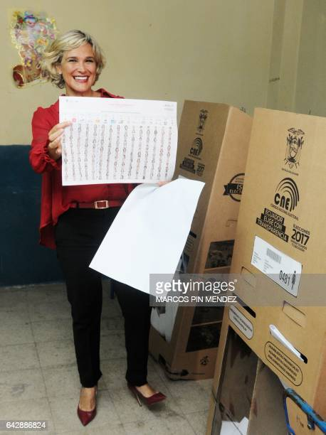 Ecuadorean presidential candidate Cynthia Viteri of the Social Christian Party / Madera de Guerrero poses for the press after casting her vote at a...