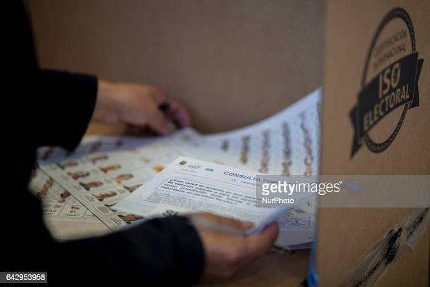 Ecuador's elections in Barcelona brought together thousands of migrants from Spain ready to vote These have been held at the Mar Bella Sports Center...