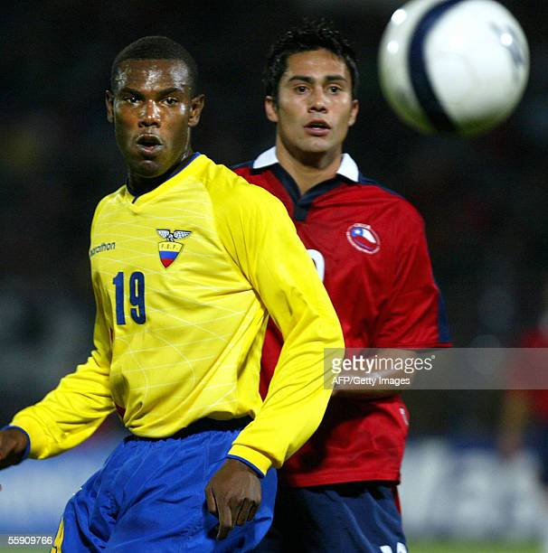 Ecuador's Jose Cortez vies with Chile's Luis Jimenez during their FIFA World Cup Germany 2006 South American qualifying match 12 October 2005 in...