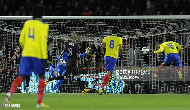 Ecuador's midfielder Antonio Valencia heads the ball to score during the international friendly football match Portugal vs Ecuador at the D Afonso...
