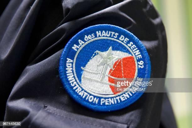Ecusson d'uniforme d'un gardien de la maison d'arrêt des HautsdeSeine le 29 décembre 2009 Nanterre France