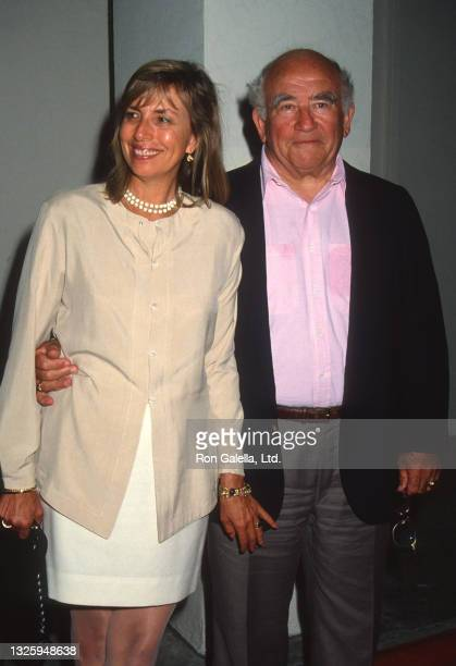"""Ed Asner and Cindy Gilmore attend """"Bob Roberts"""" Premiere at the Writers Guild Theater in Beverly Hills, California on September 1, 1992."""