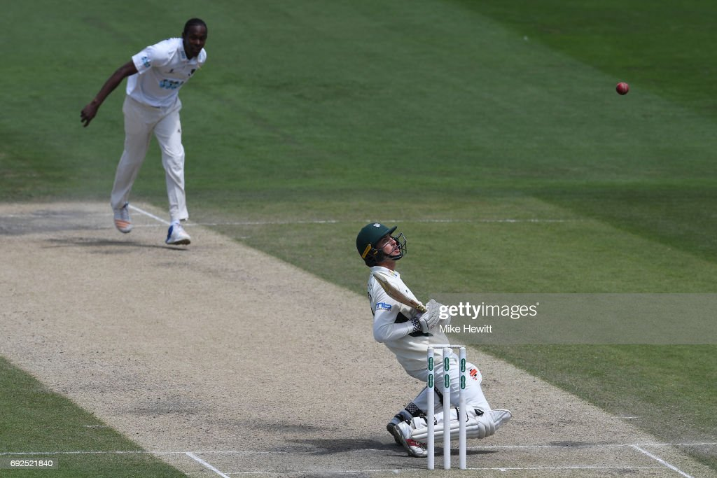 Ed Barnard of Worcestershire watches closely as a bouncer from Jofra Archer of Sussex flies by during the fourth day of the Specsavers County Championship Division Two match between Sussex and Worcestershire at The 1st Central County Ground on June 5, 2017 in Hove, England.