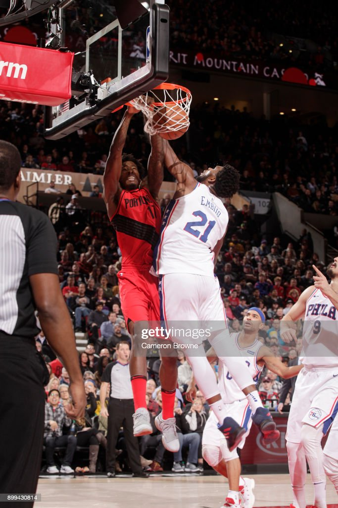 Ed Davis #17 of the Portland Trail Blazers drives to the basket against the Philadelphia 76ers on December 28, 2017 at the Moda Center in Portland, Oregon.