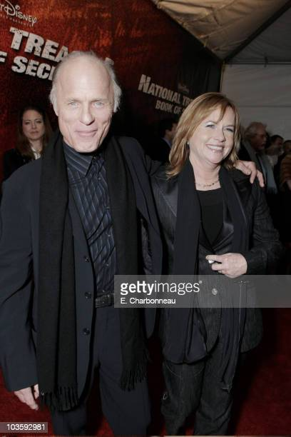 Ed Harris and Amy Madigan at the Walt Disney Pictures premiere of National TreasureBook of Secrets on December 13 2007 at the Ziegfeld Theatre in New...