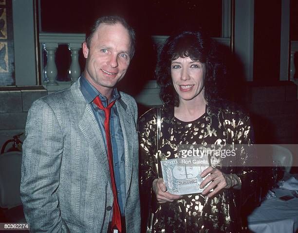 Ed Harris and Lily Tomlin