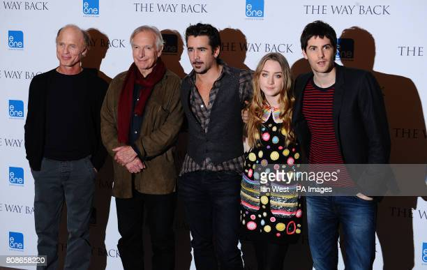 Ed Harris Director Peter Weir Colin Farrell Saoirse Ronan and Jim Sturgess during a photocall for new film The Way Back at the Claridges Hotel in...