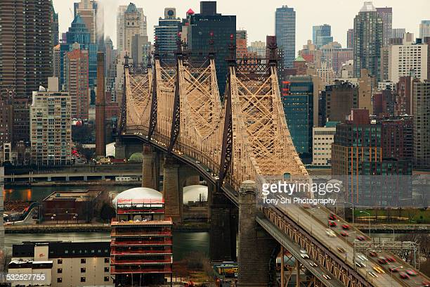 ed koch queensboro bridge - queens new york city - fotografias e filmes do acervo