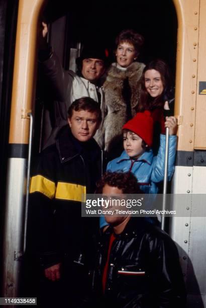 Ed Nelson Vera Miles Darleen Carr Martin Milner Lee Montgomery Ben Murphy appearing in the ABC tv movie 'Runaway'