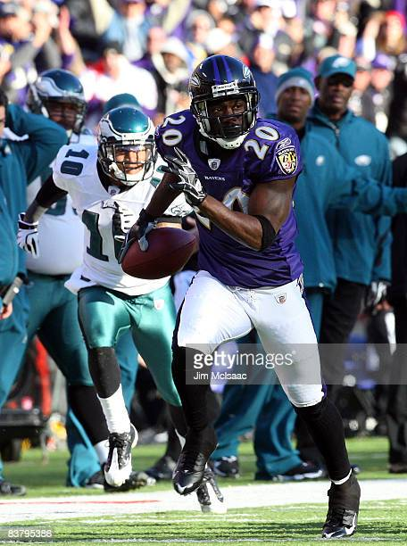 Ed Reed of the Baltimore Ravens runs the ball after an interception against the Philadelphia Eagles on November 23 2008 at MT Bank Stadium in...
