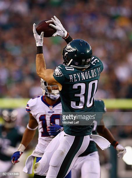 Ed Reynolds of the Philadelphia Eagles makes an interception at the end of the fourth quarter to win the game 23-20 against the Buffalo Bills at...