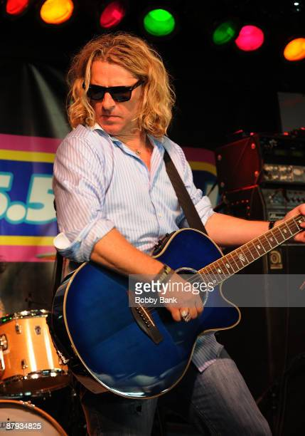 Ed Roland of Collective Soul perfoms at the WPLJ Scott Todd's Summer Blast Off at Jenkinsons On The Boardwalk on May 22 2009 in Point Pleasant Beach...