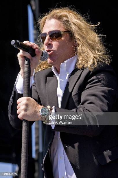 Ed Roland of Collective Soul performs at the Dow Live Earth Run for Water an initiative to help combat the global water crisis on April 18 2010 in...