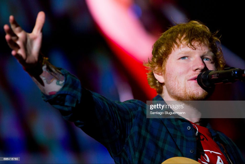 Ed Sheeran performs during the 'Devide' Tour at Ciudad de La Plata Stadium on May 20, 2017 in Buenos Aires, Argentina.