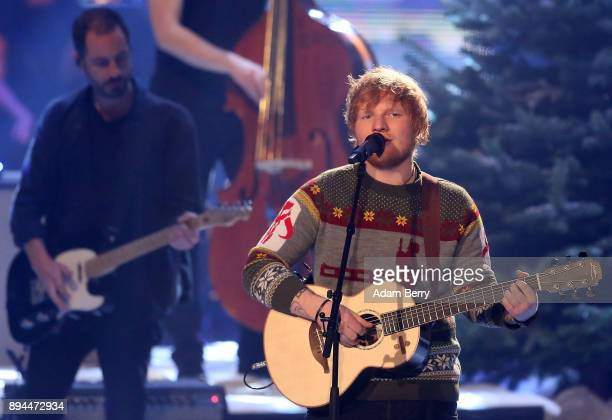 Ed Sheeran performs during the 'The Voice of Germany' finals at Studio Berlin Adlershof on December 17 2017 in Berlin Germany
