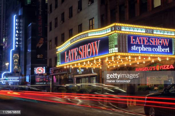 ed sullivan theater on broadway at night - rainer grosskopf stock pictures, royalty-free photos & images