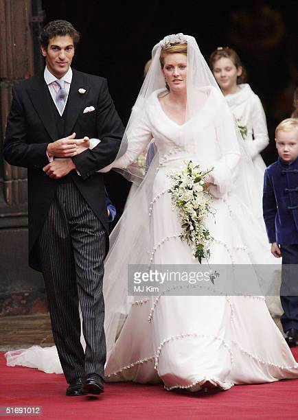Ed Van Cutsem and Lady Tamara Grosvenor leave Chester Cathedral after becoming wed on November 6 2004 in Chester England Lady Tamara is the eldest...