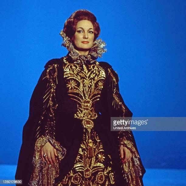 """Edda Moser, deutsche Opernsängerin, zu Gast in der Musiksendung """"Schöne Stimmen"""", Deutschland 1976."""