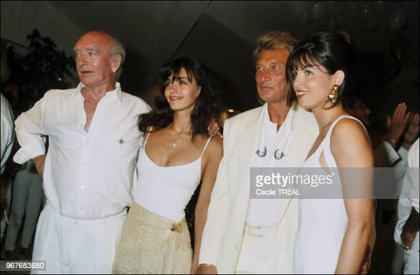 Eddie Barclay et sa femme Caroline refêtent leur mariage en compagnie de Johnny Hallyday et d'Adeline Blondieau à SaintTropez en Fance le 24 juillet...