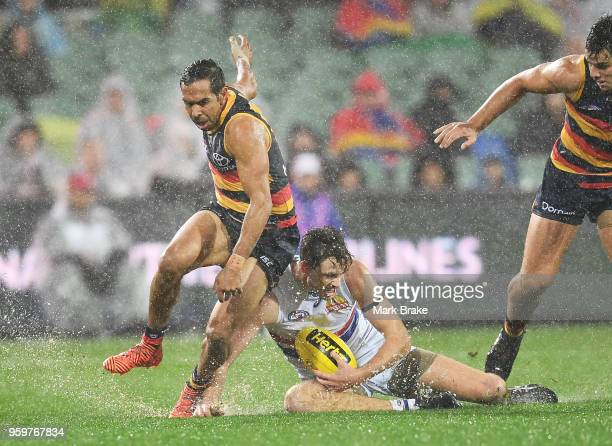 Eddie Betts of the Adelaide Crows and Zaine Cordy of the Bulldogs during the round nine AFL match between the Adelaide Crows and the Western Bulldogs...
