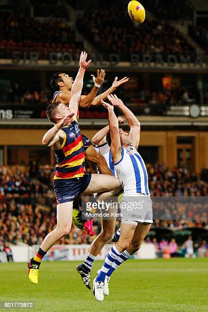 Eddie Betts of the Crows takes a high mark during the AFL 1st Elimination Final match between the Adelaide Crows and the North Melbourne Kangaroos at...