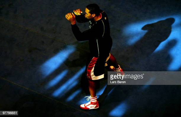Eddie Chambers of USA warms up during a public training session on March 17 2010 in Duesseldorf Germany The WBO Heavyweight World Championship fight...