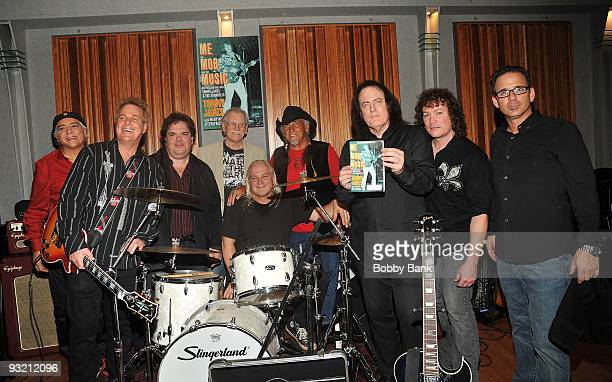 Eddie Gray John Golden Hal Gold Ron Rosman Glen Wyka Mike Vale Tommy James David Santos and Bobby Guy combining both original and current Shondells...