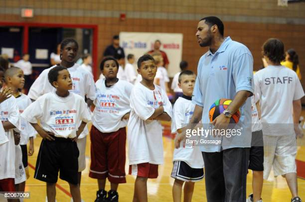 Eddie House of the Boston Celtics participates in the Jr NBA/Jr WNBA basketball camp on July 24 2008 at the Centennial High School campus in Peoria...