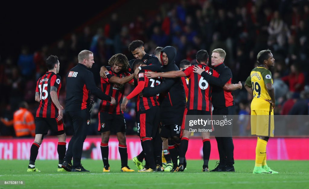 Eddie Howe, Manager of AFC Bournemouth (2R) celebrates victory with players after he Premier League match between AFC Bournemouth and Brighton and Hove Albion at Vitality Stadium on September 15, 2017 in Bournemouth, England.