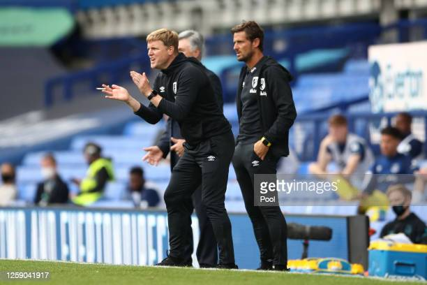 Eddie Howe Manager of AFC Bournemouth gives his team instructions during the Premier League match between Everton FC and AFC Bournemouth at Goodison...