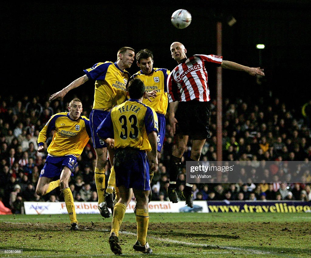 Brentford v Southampton : News Photo