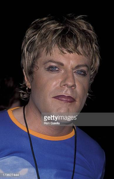 Eddie Izzard attends Comic Relief VIII Benefit on June 14 1998 at Radio City Music Hall in New York City
