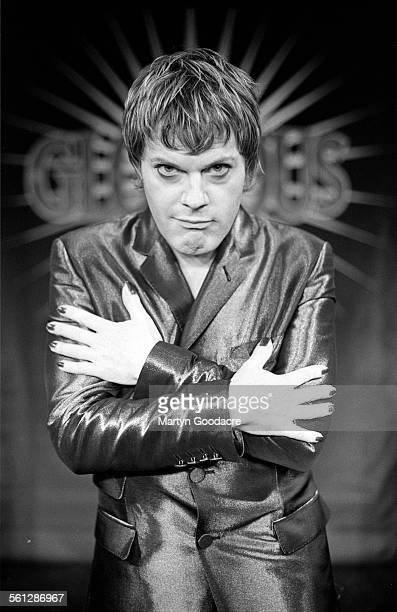 Eddie Izzard portrait TV studio Paris United Kingdom 1997
