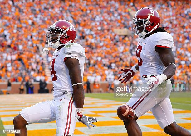 Eddie Jackson of the Alabama Crimson Tide reacts after returning a punt for a touchdown against the Tennessee Volunteers at Neyland Stadium on...