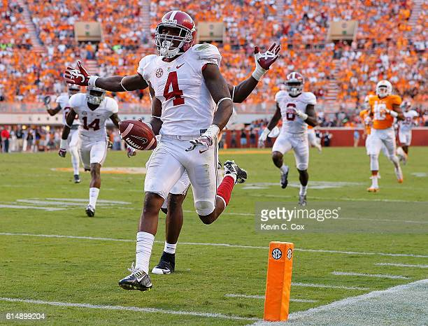 Eddie Jackson of the Alabama Crimson Tide returns a punt for a touchdown against the Tennessee Volunteers at Neyland Stadium on October 15 2016 in...