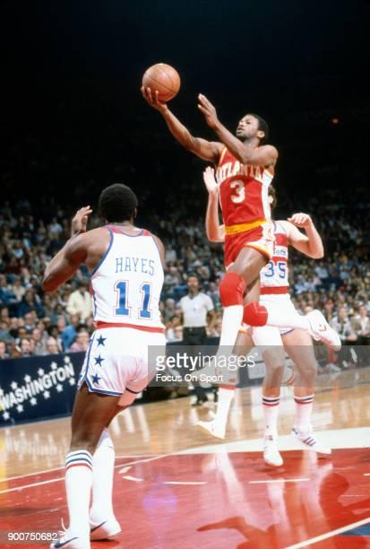 Eddie Johnson of the Atlanta Hawks shoots against the Washington Bullets during an NBA basketball game circa 1978 at the Capital Centre in Landover...
