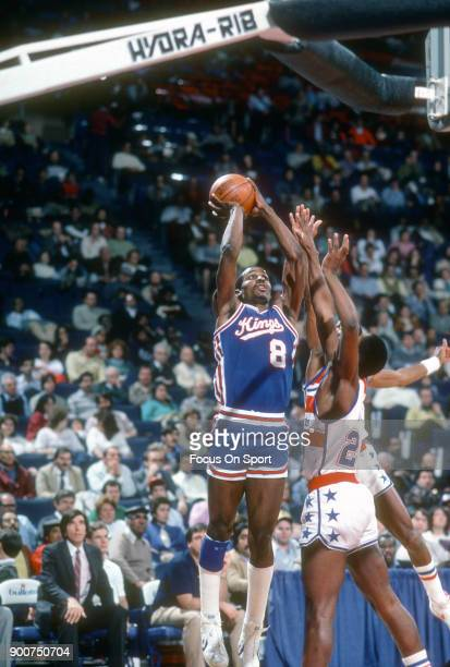 Eddie Johnson of the Sacramento Kings shoots against the Washington Bullets during an NBA basketball game circa 1985 at the Capital Centre in...