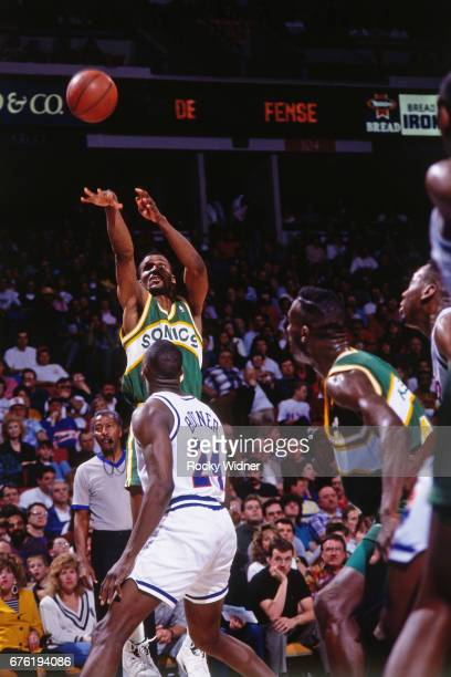 Eddie Johnson of the Seattle SuperSonics shoots against the Sacramento Kings circa 1992 at Arco Arena in Sacramento California NOTE TO USER User...