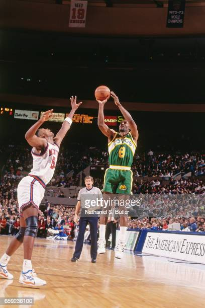 Eddie Johnson of the Seattle Supersonics shoots against the New York Knicks during a game played circa 1993 at the Madison Square Garden in New York...