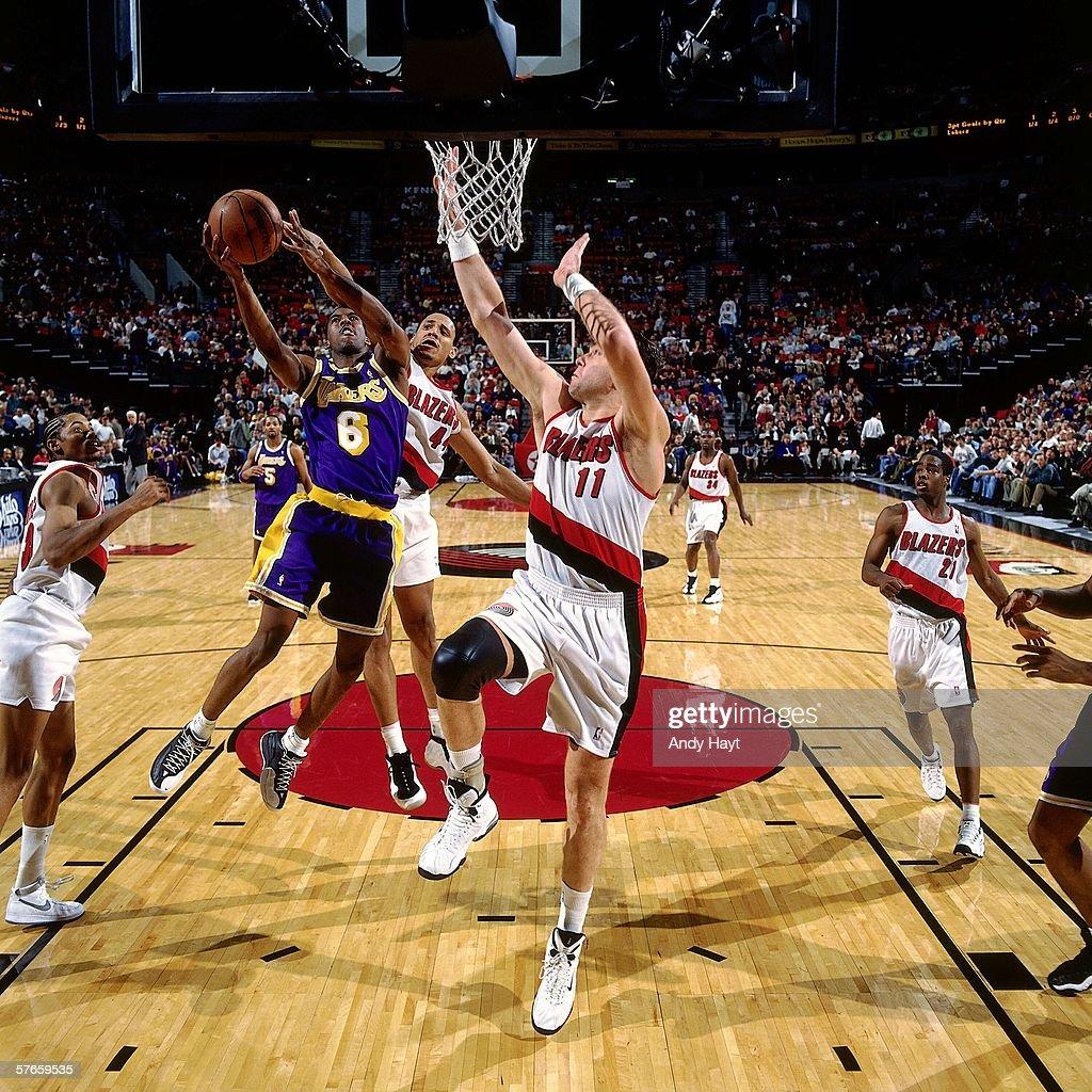 Blazers Vs Lakers: Eddie Jones Of The Los Angeles Lakers Drives To The Basket