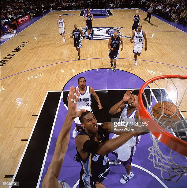 Eddie Jones of the Memphis Grizzlies takes the ball to the basket during the game against the Sacramento Kings at Arco Arena on February 7 2006 in...