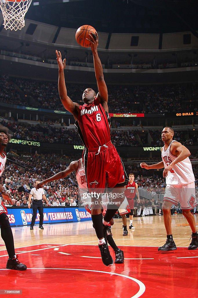 Miami Heat v Chicago Bulls, Game 2 : News Photo
