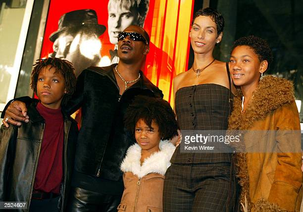 Eddie Murphy and wife Nicole and son Miles Shane and daughter Brea at the I SPY movie premiere at the Cinerama Dome in Hollywood Ca Wednesday Oct 23...