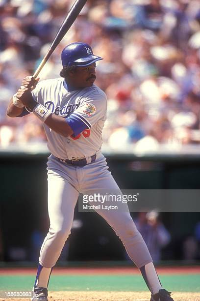 Eddie Murray of the Los Angeles Dodgers prepares for a pitch during a baseball game against the Philadelphia Phillies on May 6 1990 at Veterans...