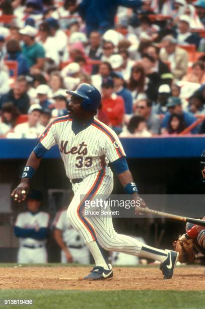 Eddie Murray of the New York Mets swings at the pitch during an MLB game against the Atlanta Braves on May 30 1992 at Shea Stadium in Flushing New...