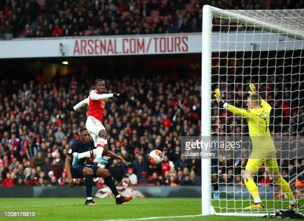 Eddie Nketiah of Arsenal scores his sides first goal during the Premier League match between Arsenal FC and Everton FC at Emirates Stadium on...