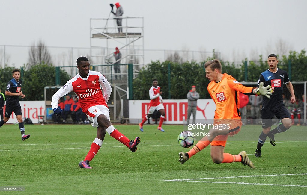 Eddie Nketiah scores Arsenal's 2nd goal past Henrich Ravas of Derby during the match between Arsenal U23 and Derby County U23 at London Colney on January 6, 2017 in St Albans, England.