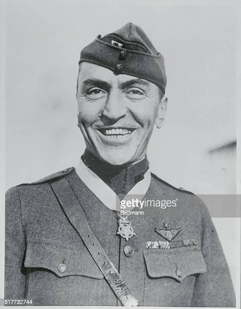 Eddie Rickenbacker in his war uniform receives a belated Congressional Medal