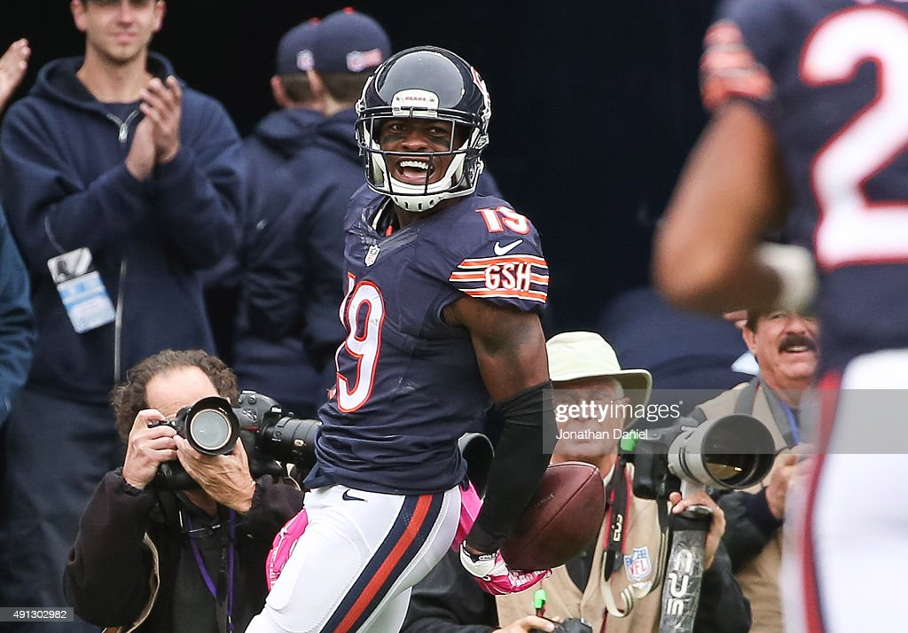 Eddie Royal #19 of the Chicago Bears celebrates after scoring against the Oakland Raiders in the first quarter at Soldier Field on October 4, 2015 in Chicago, Illinois.