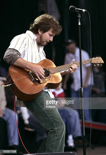 Eddie Vedder Pictures and Photos - Getty Images
